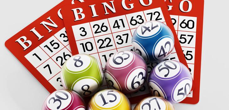 A bingo card and balls
