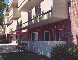 La Mirada resident ground floor patios and balconies on upper floors
