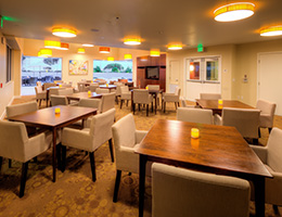 Las Alturas dining room