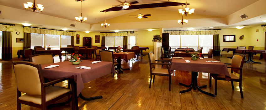 dining area with many tables and intimate lighting